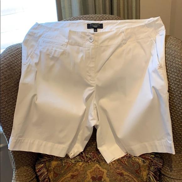 Talbots Pants - White shorts of cotton/spandex fabric